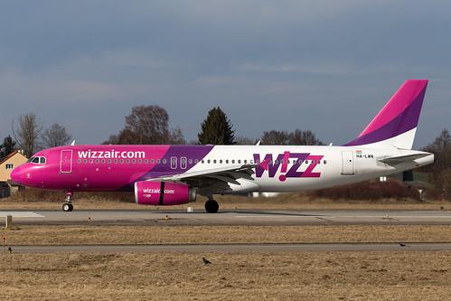 Wizzair_A320_HA-LWN__FMM_20170219_Ground_sun_0768_Colormailer_Flickr