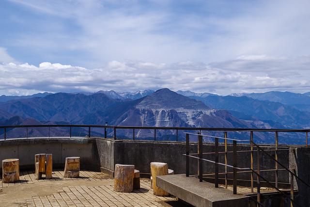貸し切りの丸山山頂の展望台