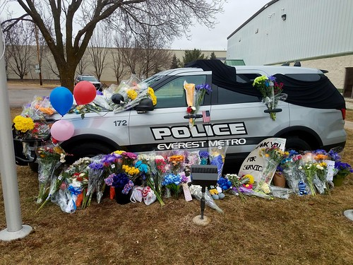 Everest Metro Ford Interceptor Utility Memorial for Det. Weiland