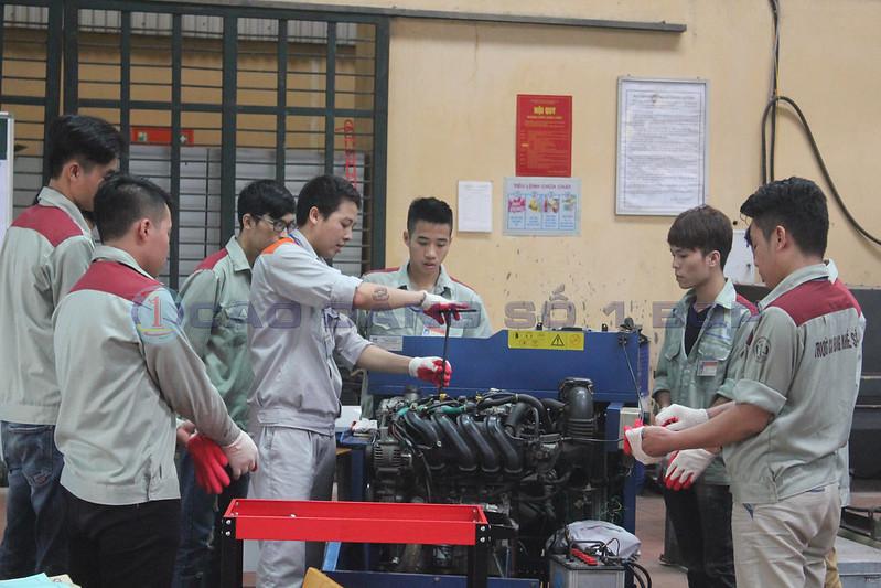 Học viên Trường Cao đẳng nghề số 1 BQP trong giờ học thực hành Công nghệ ô tô Những nhóm ngành nghề trọng điểm cần nguồn nhân lực