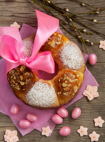 Small Easter cake.
