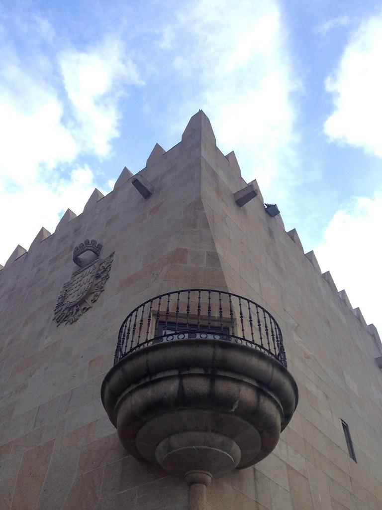 Torre y balcón [201/365] #lafotodeayer