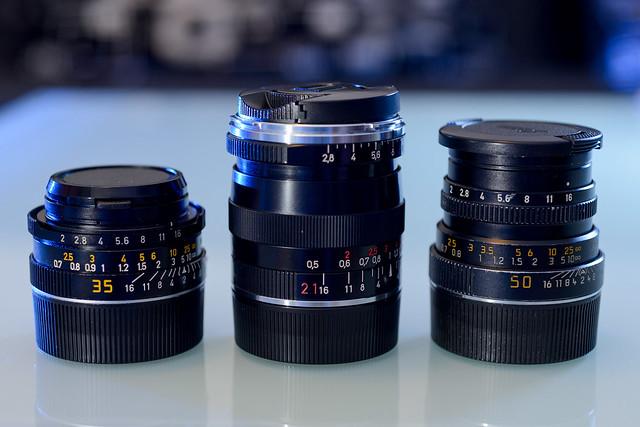 【排排站】由左至右為 Leica 35 f/2, Zeiss 21 f/2.8, Leica 50 f/2. 就數 ZM 21/2.8 塊頭最大
