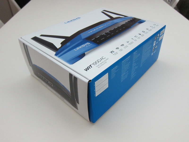 Linksys WRT1900AC - Box