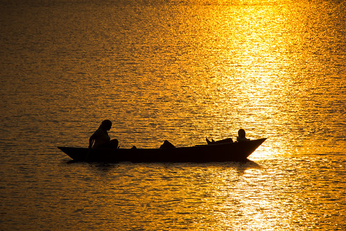travel nepal sunset boat fishing asia dusk countries pokhara southasia 2014 travelphotography phewalake phewatal westernregion