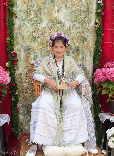 Fiesta de los mayos, Maya en su altar