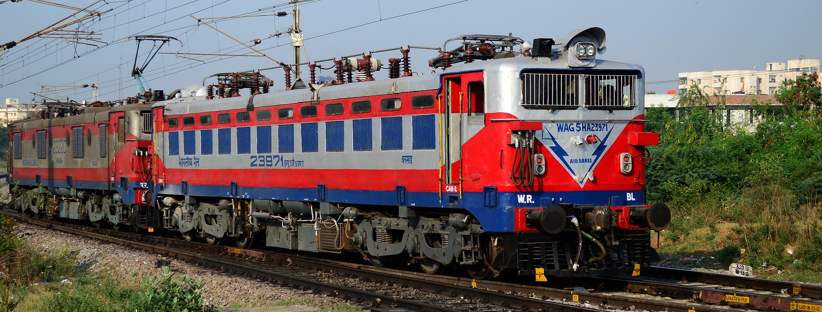 Twin Valsad WAG5 locos