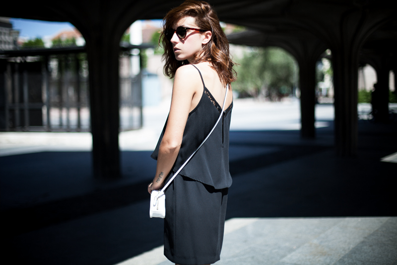 Vestido-Mango-Negro-Lencero-002