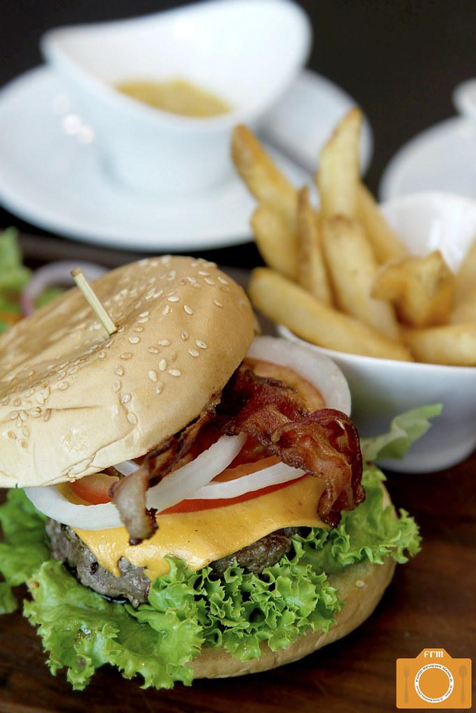 Malcolm's Deli Kitayama Wagyu Burger