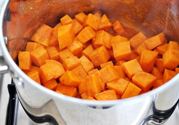 Sweet Potato, Chickpea & Cavolo Nero Curry   www.fussfreecooking.com