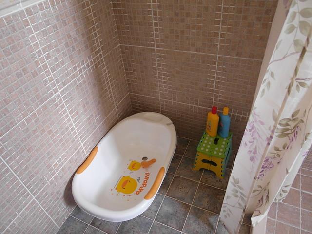 PiyoPiyo黃色小鴨澡盆與小摺凳@宜蘭心森林民宿1N