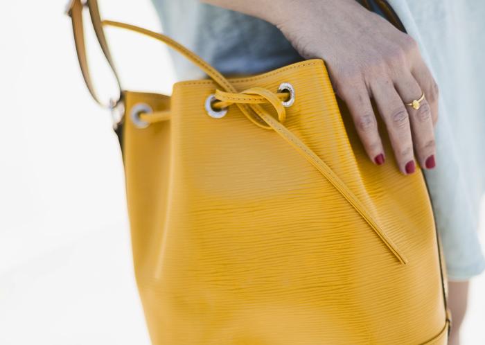 street style barbara crespo hope tshirt minnetonka boots fashion blogger outfit blog de moda