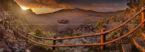panorama sunrise volcano soleil ngc piton pas couleur lever volcan photographe iledelaréunion bellecombe pitondelafournaise enclos 974 manualblending canon7d stephphotographies