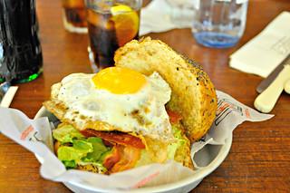 http://hojeconhecemos.blogspot.com.es/2014/06/eat-cafeteria-hd-madrid-espanha.html