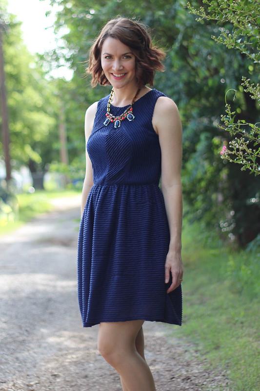 blue-dress-blue-orange-necklace-4