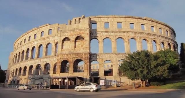Pula, Amfiteatar