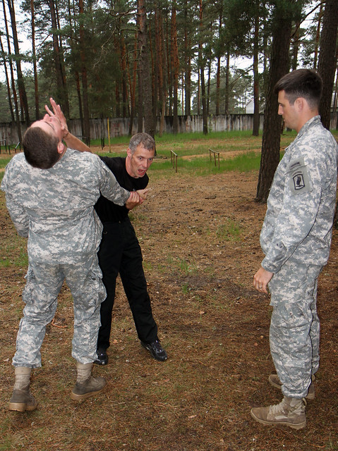 Latvian soldier instructs u s paratroopers in krav maga flickr