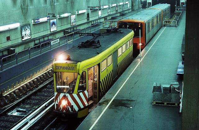 Rame de métro et trams à Trône, ex Luxembourg
