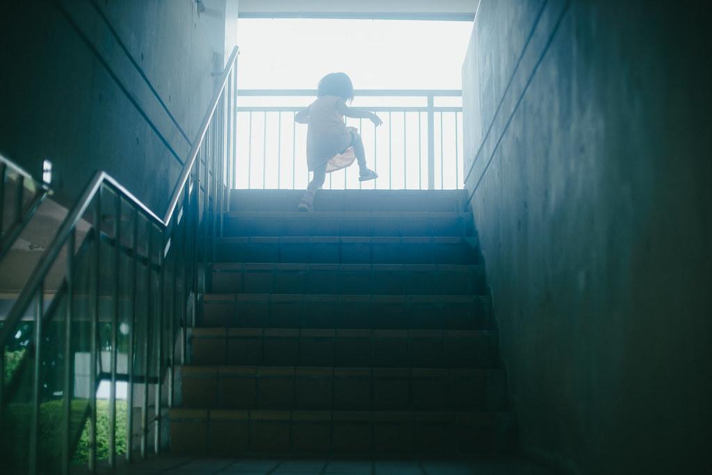 光への階段! | Sony a7 + Ai Nikkor 50mm F1.2S + Lightroom original preset Fujifilm PRO400H