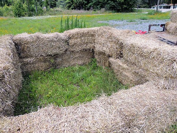 Hay-bales-compost piles-05