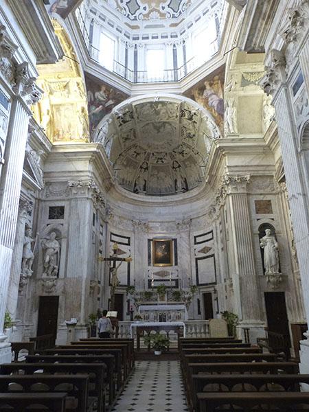 intérieur de l'église saint pierre