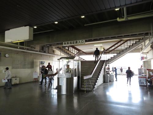 佐賀競馬場の有料指定席入口
