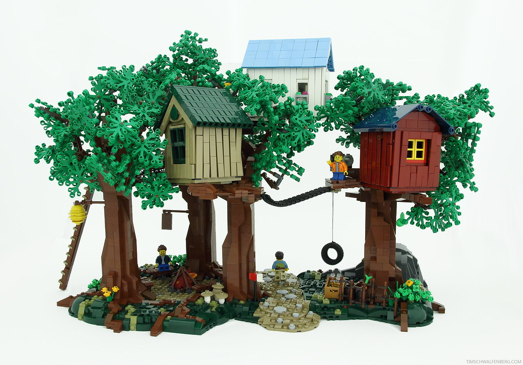 Treetown (custom built Lego model)