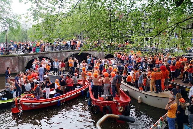 Amsterdam King's Day boats on Brouwersgracht