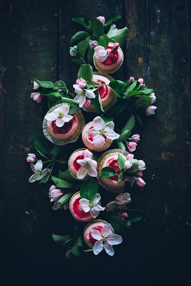 Sourcream rhubarb cupcakes with ginger cream cheese frosting and ...