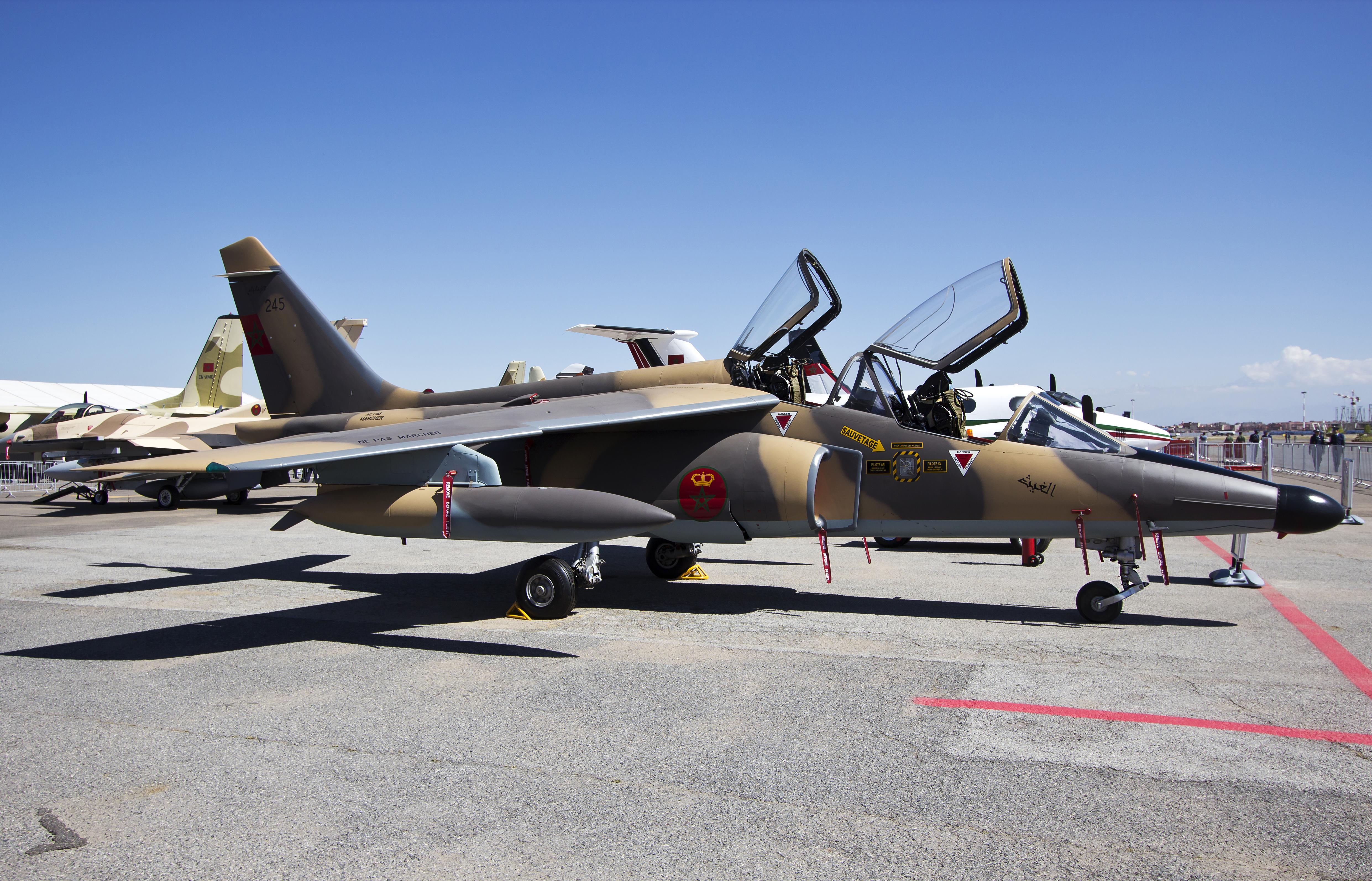 FRA: Photos avions d'entrainement et anti insurrection - Page 7 14152772463_1800d8b817_o
