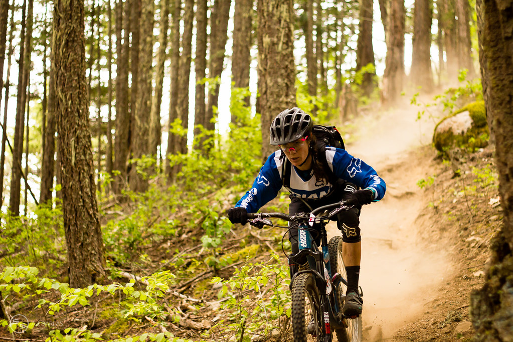Kelli Emmett pushing in the Pemberton Enduro