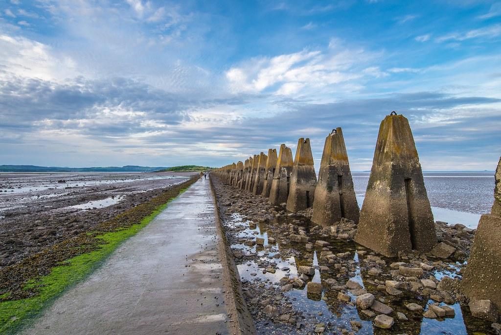 C'est le moment de rejoindre à marée basse l'île de Cramons à Edimbourg.