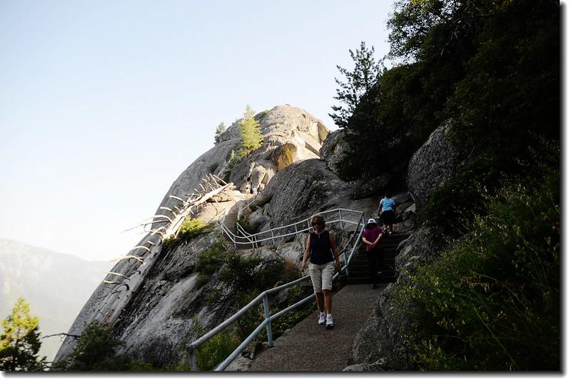 Mono Rock Trail 1