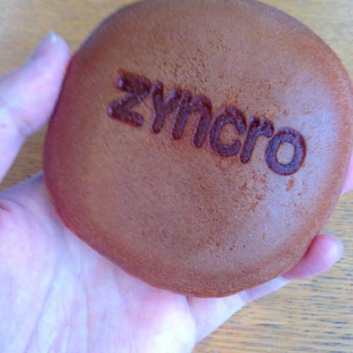 どら焼き。Zyncroのイベントのお土産。