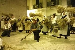 Noicattaro. Danze nel centro storico front