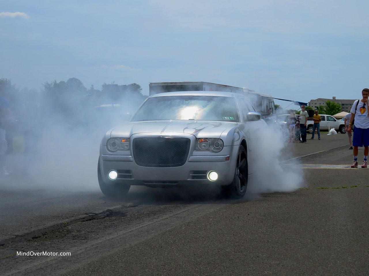 Chrysler 300C SRT-8 Burnout