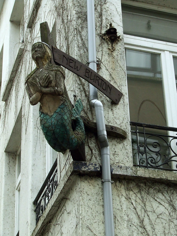 building figurehead