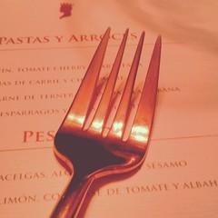 hand(0.0), fork(1.0), tableware(1.0), cutlery(1.0),