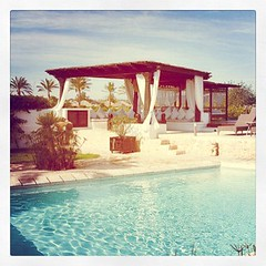 Miss W: Atzaro Pool