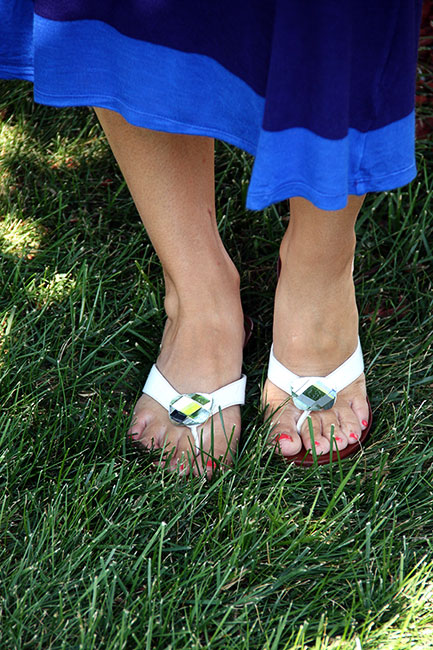 Shoes_In-grass