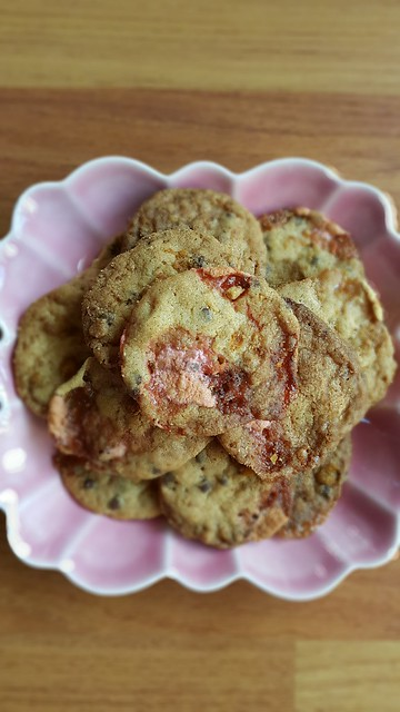 Momofuku cornflake crumb chocolate chips marshmallow cookie