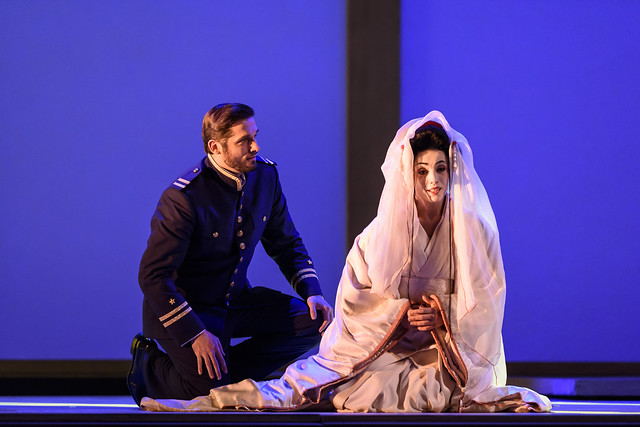 Marcelo Puente and Ermonela Jaho in Madama Butterfly © ROH 2017. Photograph by Bill Cooper