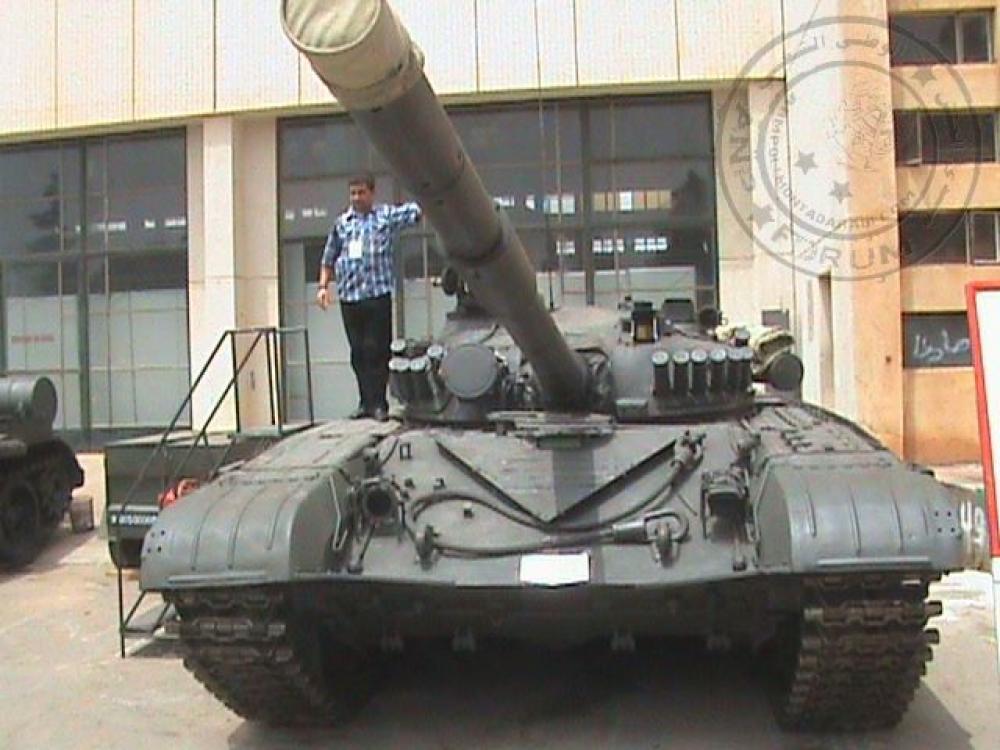 صور دبابات قتال رئيسية الجزائرية T-72M/M1/B/BK/AG/S ] Main Battle Tank Algerian ]   - صفحة 4 33918435956_ebe225d85b_o
