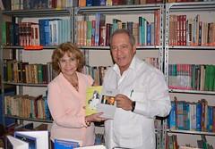 Biblioteca de Chone recibe una considerable donación de libros