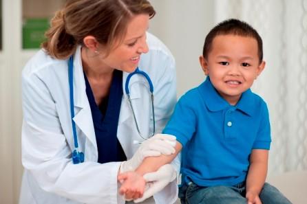 かかりつけ小児科医の探し方!親も子も安心して受診するためにできることのタイトル画像