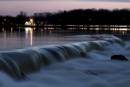 rebel waterfall dam t3 lowell merrimackriver longexpoosure mammothstreet