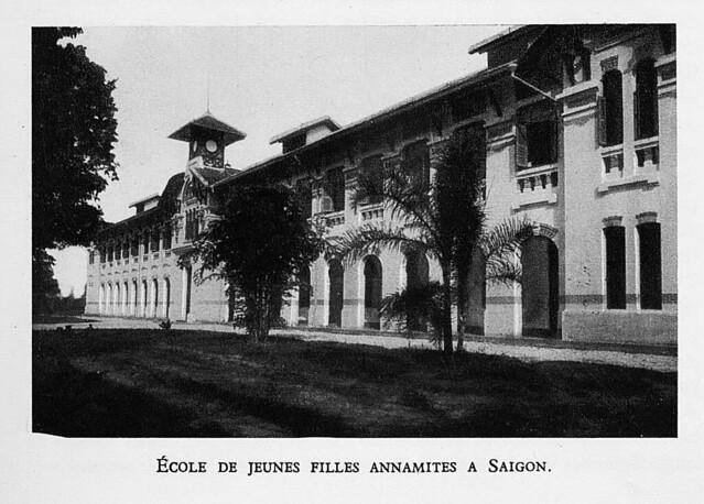 1931  École de jeunes filles annamites a Saigon. Trường nữ sinh Annam tại Saigon