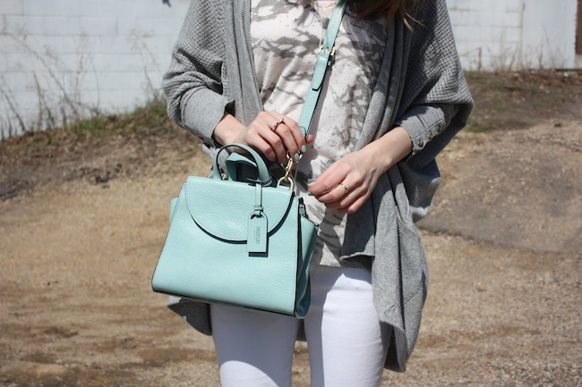 chelsea+lane+truelane+zipped+blog+minneapolis+fashion+style+blogger+lee+and+birch+levis+justfab+d'orsay+flats+kate+spade+saturday+mini+a+satchel+lily+and+violet+sweater5
