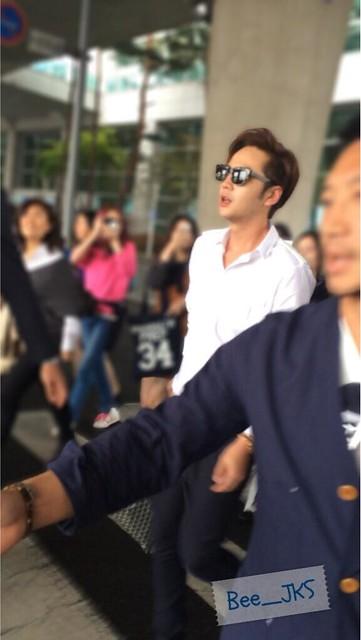 [Pics-2] JKS returned from Beijing to Seoul_20140427 14012022946_8301626ce5_z