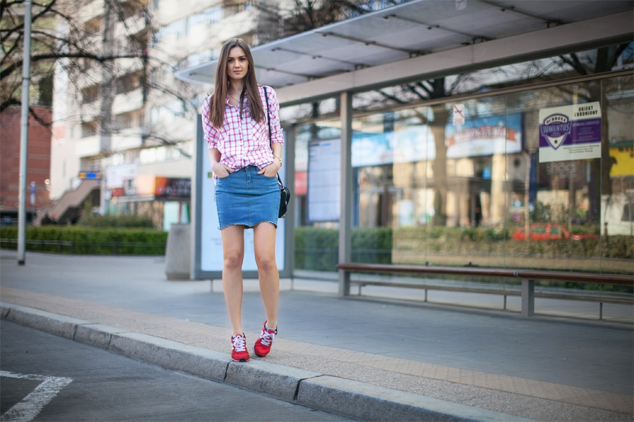 fashion_blog_casual_outfit_checked_shirt_denim_skirt_street_style_streetstyle_blogger_girl_wearing3